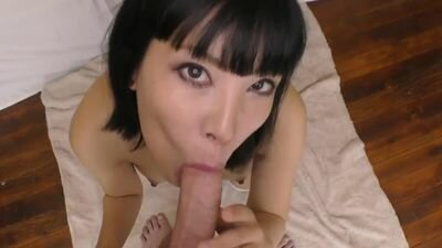 Passionate Japanese skillfully handles the dick boyfriend in the bedroom